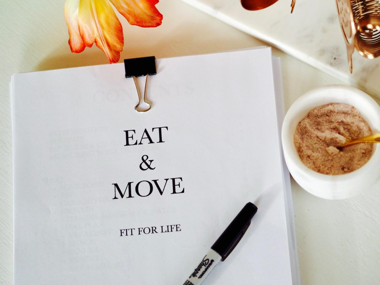 EAT & MOVE – the only fitness book you will ever need