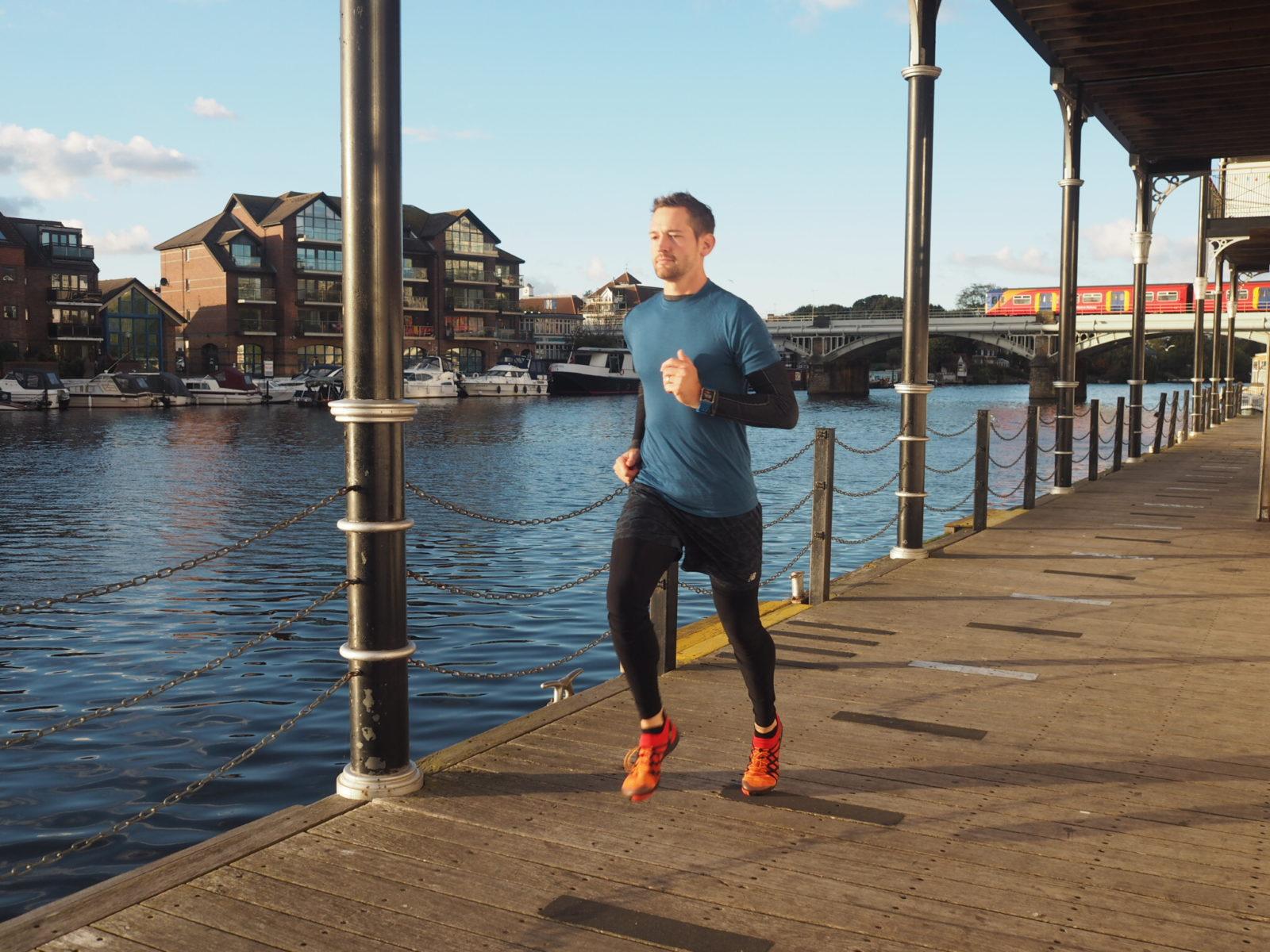 How To Run A Sub 2 Hour Half Marathon   On 2 Runs A Week and 14 Dislocated Kneecaps