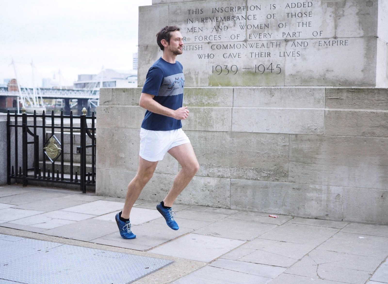 liam runs london embankment iffley